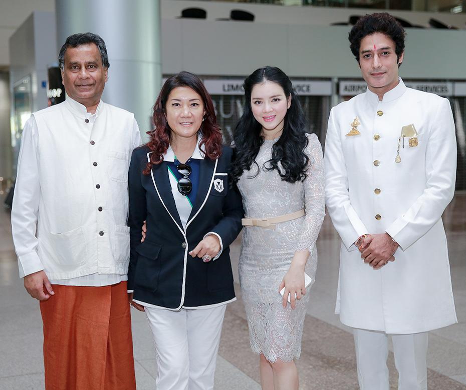 Lý Nhã Kỳ đón tiếp công chúa Thái và đoàn phim 'Đức Phật Thích Ca'