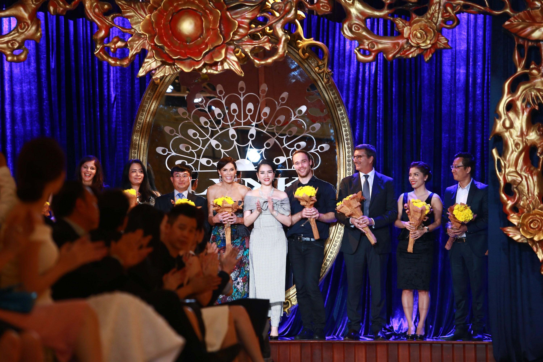Ấn tượng Lynk fashion show hoành tráng của Lý Nhã Kỳ